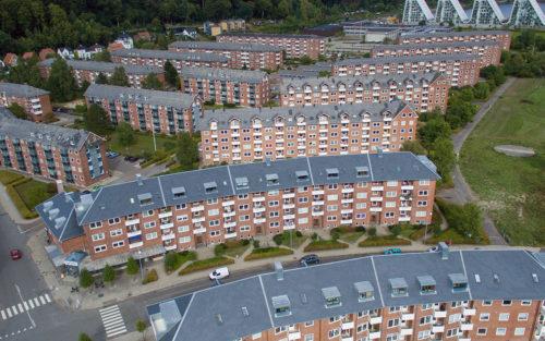 Billede af renoverede tage i byggeri ejet af Boligforeningen Østerbo