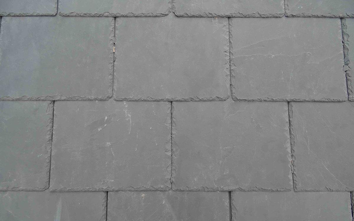 Vi kan nu levere Saxo facadeskifer i 40 x 20 cm i en lidt lysere farve